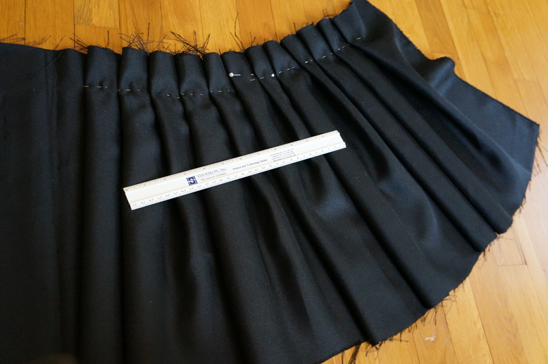 pinned skirtp pleats